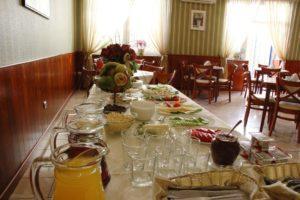 bufet w hotelu granada ostrów wielkopolski